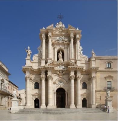 20160629121904-catedral-de-siracusa-con-san-pedro-y-san-pablo-61.jpg