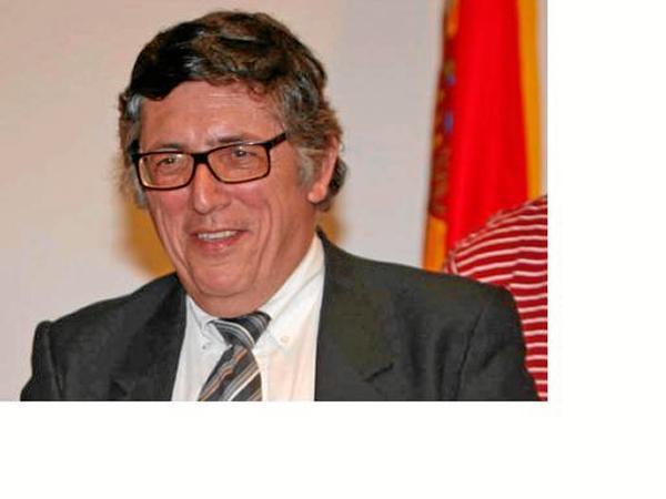 20130529235037-el-historiador-antonio-gil-albarracin.jpg