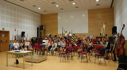 20141006095602-agmusical-sanindalecio-canada5-10-14.jpg